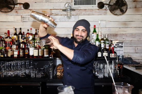 hire a cocktail bartender in Toronto